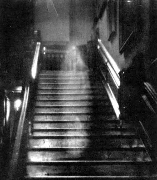 Существуют ли призраки? Где вымысел, а где правда?
