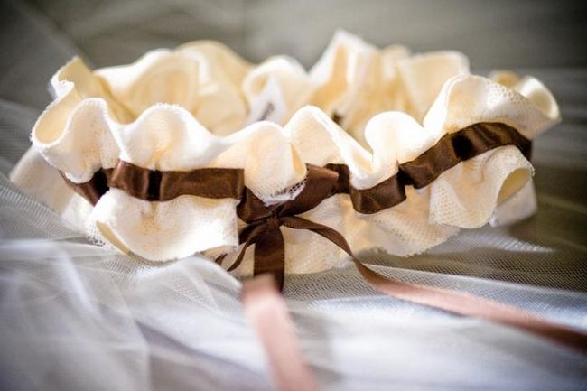 Таинственная подвязка невесты