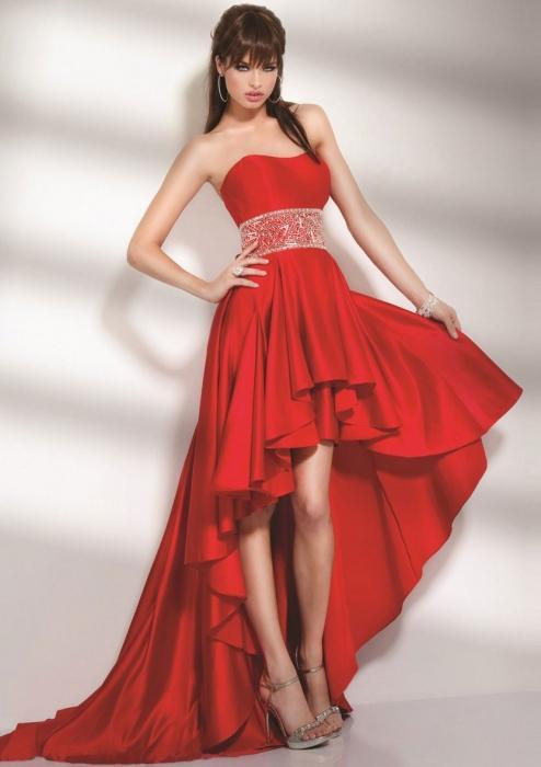 Тренд сезона: юбка, короткая спереди, длинная сзади