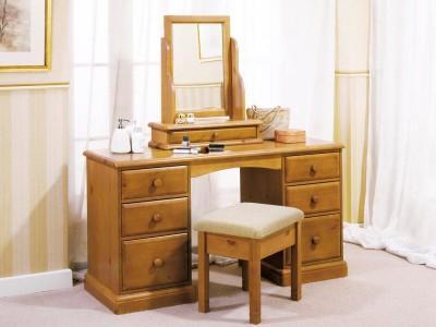 Туалетный стол - главный женский предмет мебели