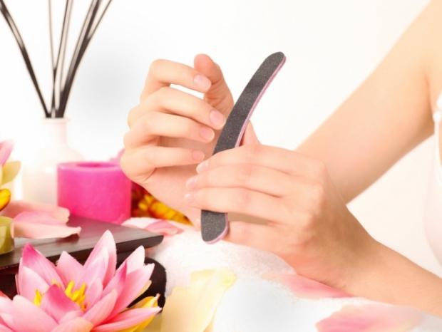 Уроки красоты: как правильно делать маникюр в домашних условиях