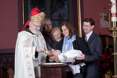Важно каждому родителю знать, когда крестят новорожденного