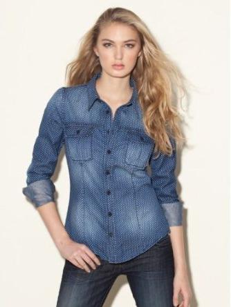 Вечная мода: женские джинсовые рубашки