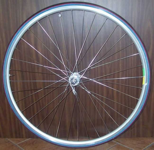 Велосипедное колесо – одна из самых важных деталей