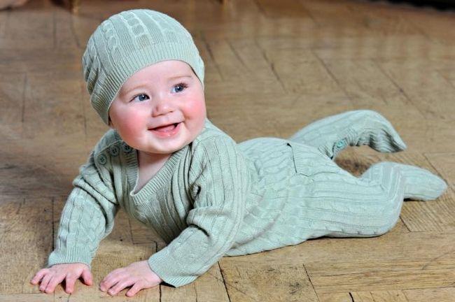 Вяжем комбинезон для новорожденного: полезные советы