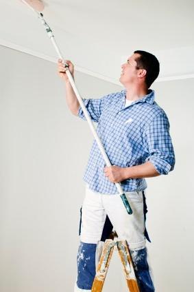 Водоэмульсионная краска для потолка: как ее нанести? Советы профессионала