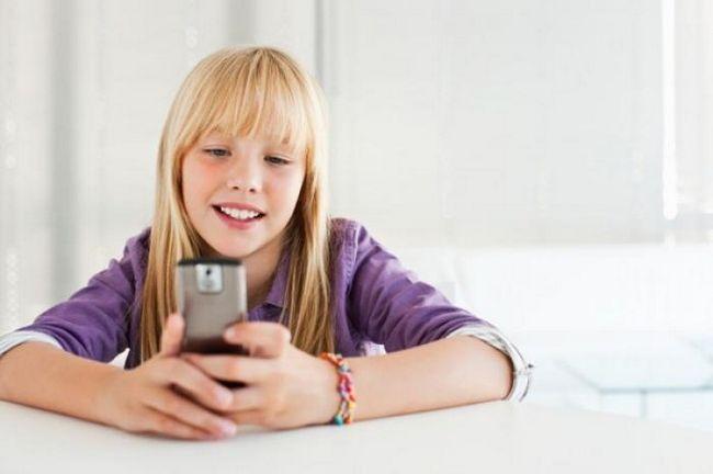 Выбираем мобильный телефон для ребенка: основные критерии и популярные модели