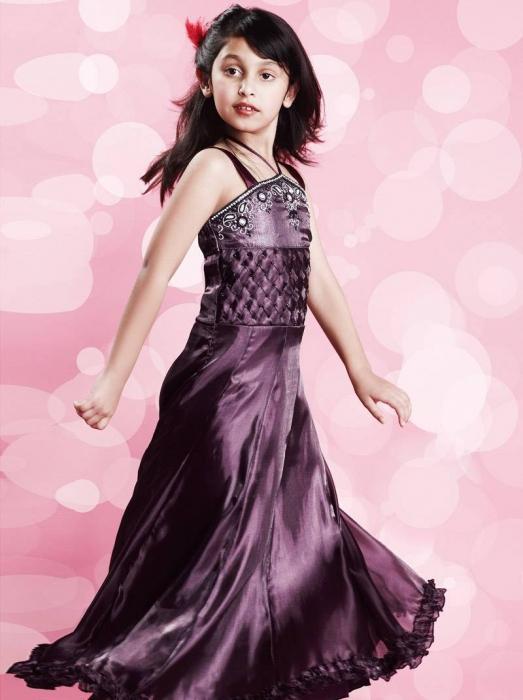 Выбираем праздничные платья для девочек
