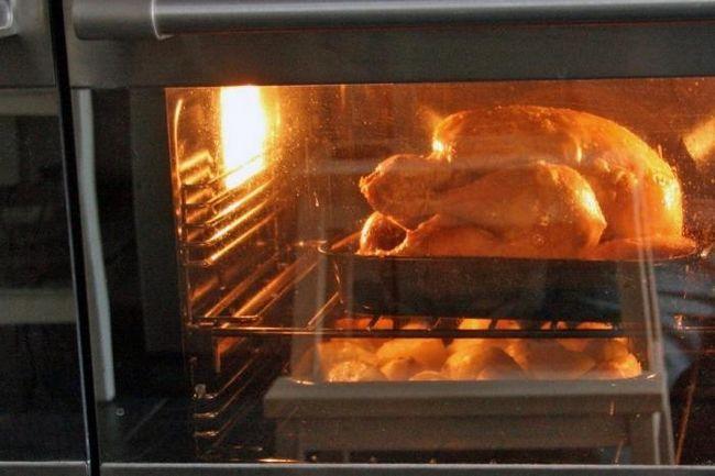 Курица запеченная в духовке целиком
